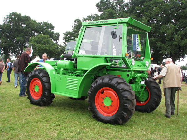 Deutz_Intrac_2006_01m.jpg